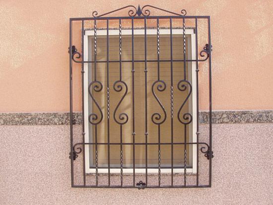 Puertas de forja para exterior awesome galera with for Modelos de puertas de forja